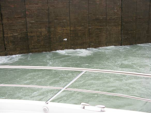 Water fills the Lock at a very fast rate